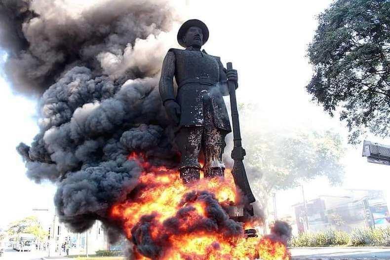 A ação contra a estátua de Borba Gato nos faz refletir sobre o papel dos militares no genocído da população negra no Brasil – por Pedro Fassoni Arruda
